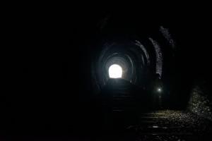 旧福知山線跡を辿る廃線ウォーク。トンネル内ではちょっとした探検気分も味わえます。 iso6400でも十分実用範囲なのがフルサイズの魅力でしょうなぁ。E5は好きなんですけど、1600辺りが上限に様に思います。もちろん状況によりますけど…。