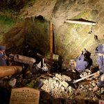 江戸時代の採掘風景