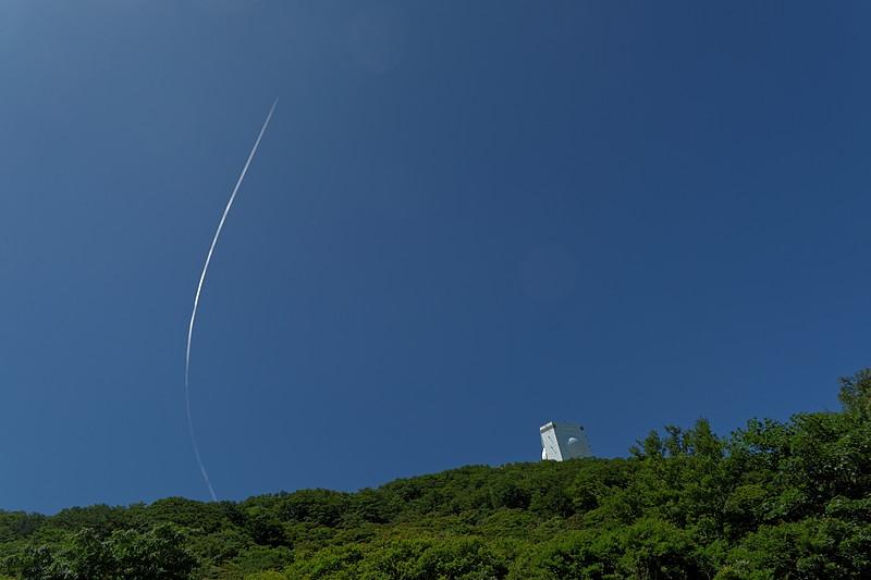 ガメラレーダーと飛行機雲